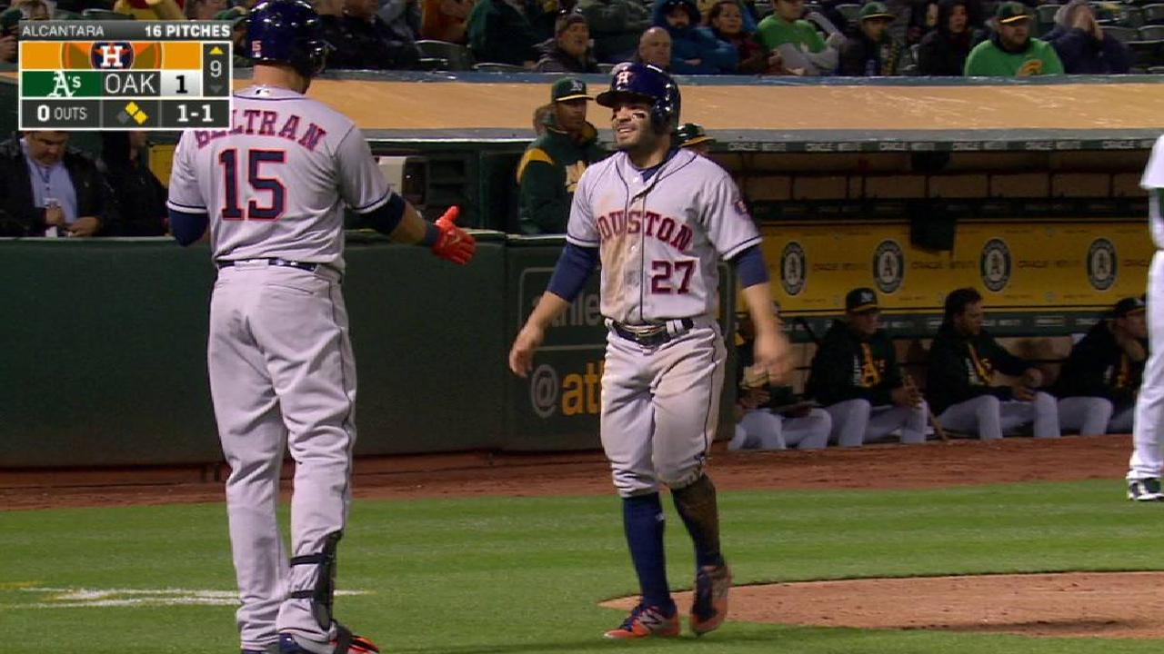Altuve scores from second