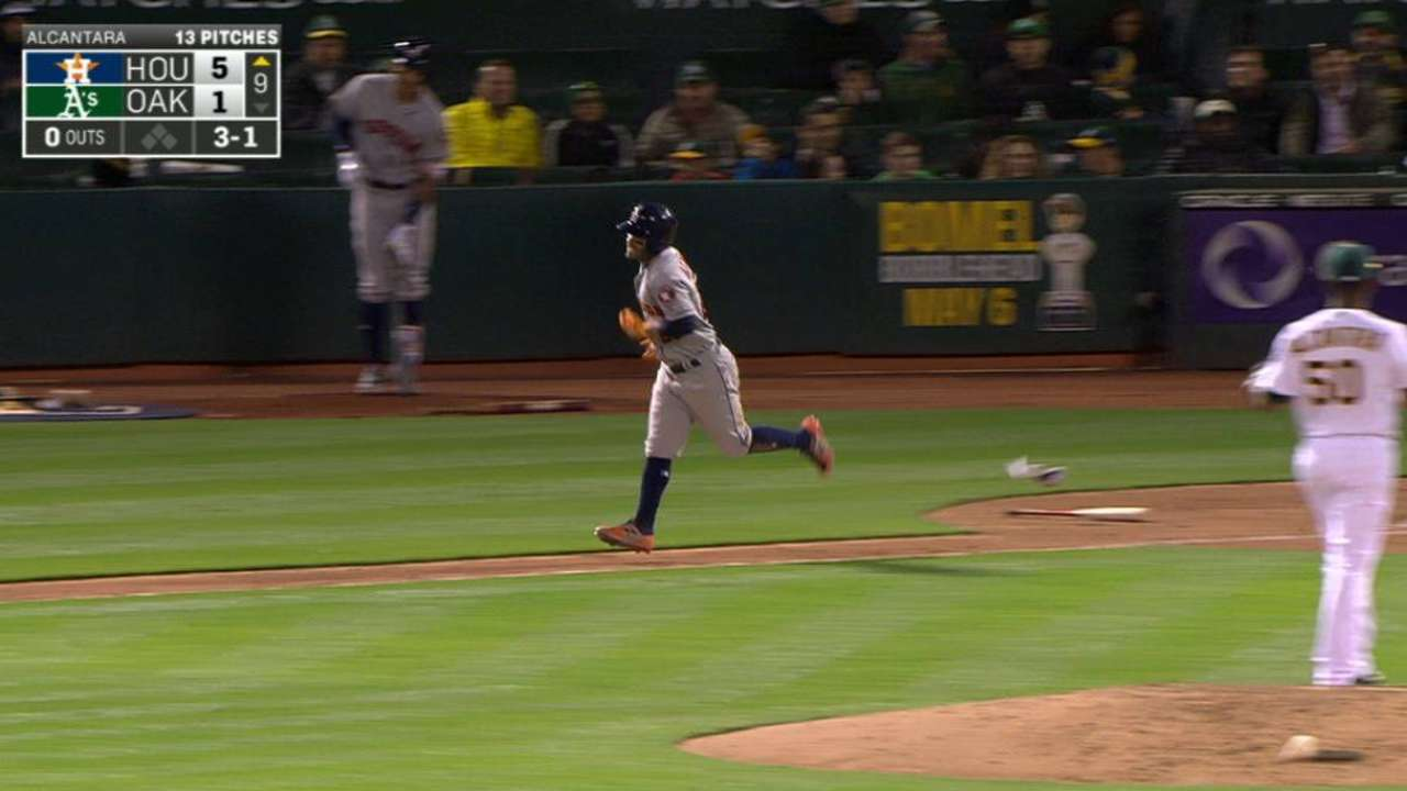 Altuve continues on-base streak