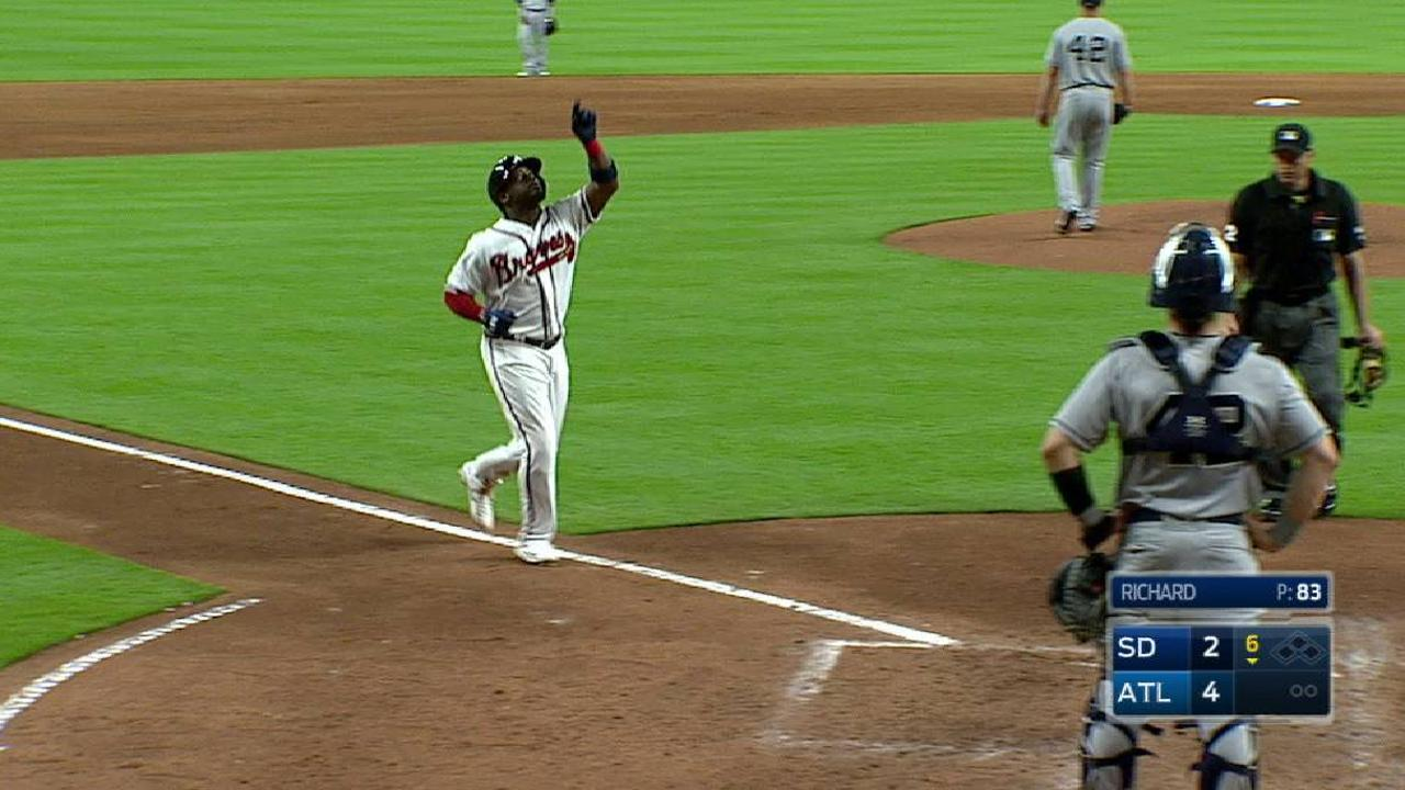 Braves beat Padres as teams trade B2B HRs