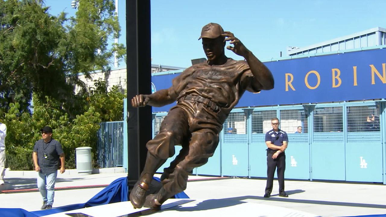 Dodgers honor Jackie Robinson