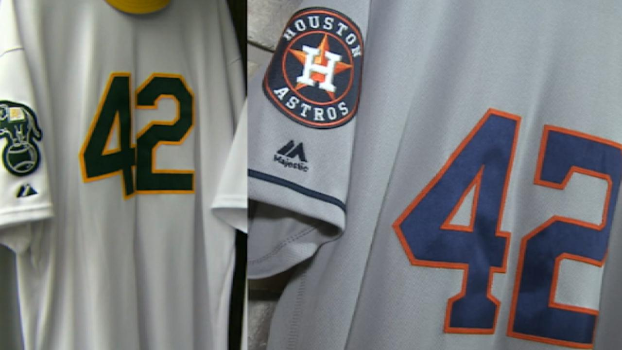 A's, Astros pay tribute to Jackie Robinson