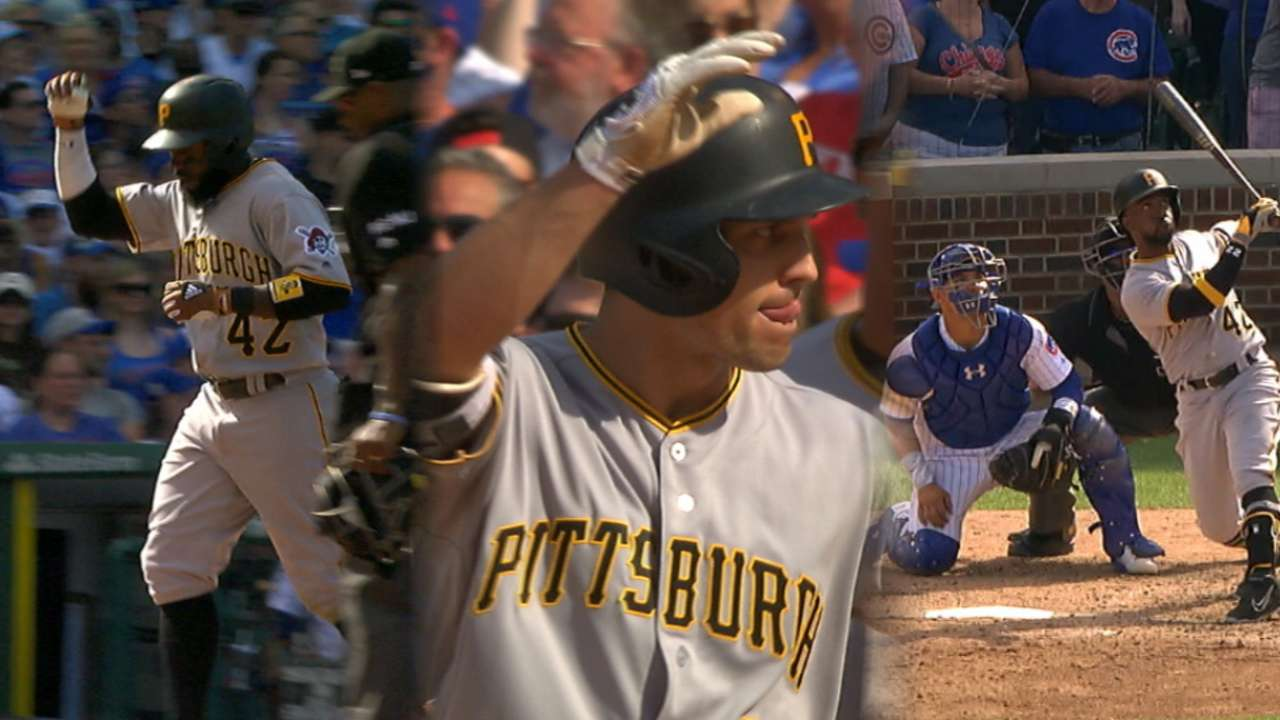 McCutchen's blast tips scales in Bucs' favor