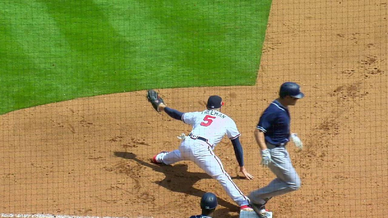 Braves turn a double play