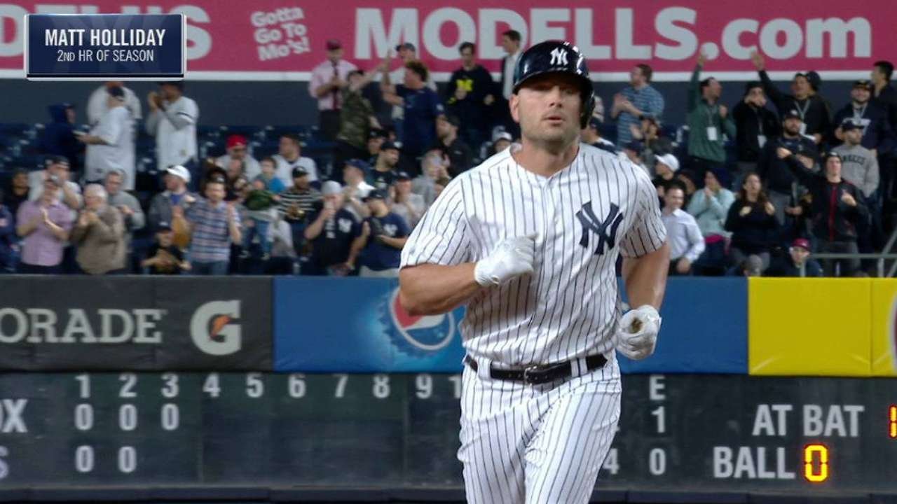 They 8 it up: Yanks extend streak with HRs