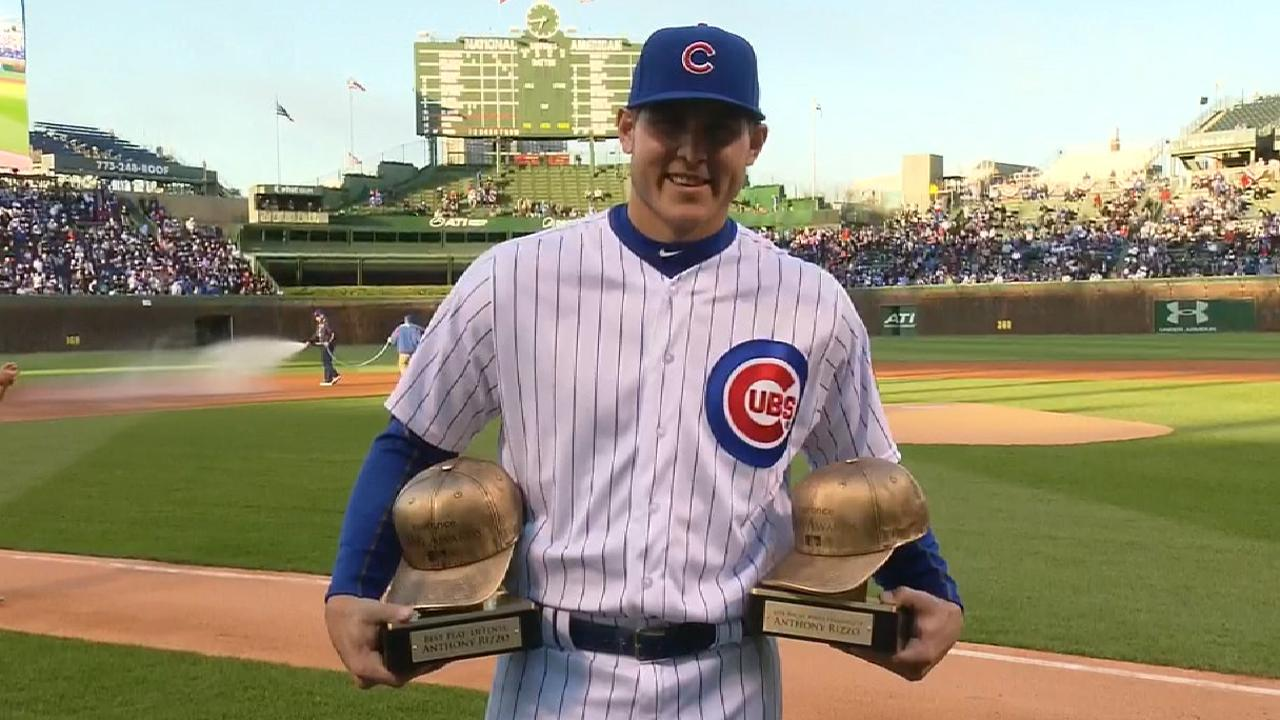 Rizzo receives 2 of Cubs' 5 Esurance Awards