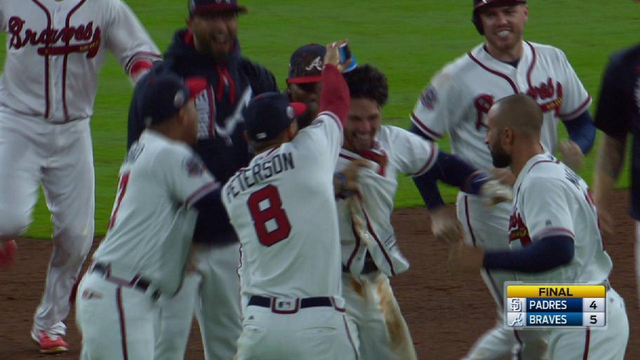 Bravos completaron barrida a Padres con hit de oro de Dansby Swanson