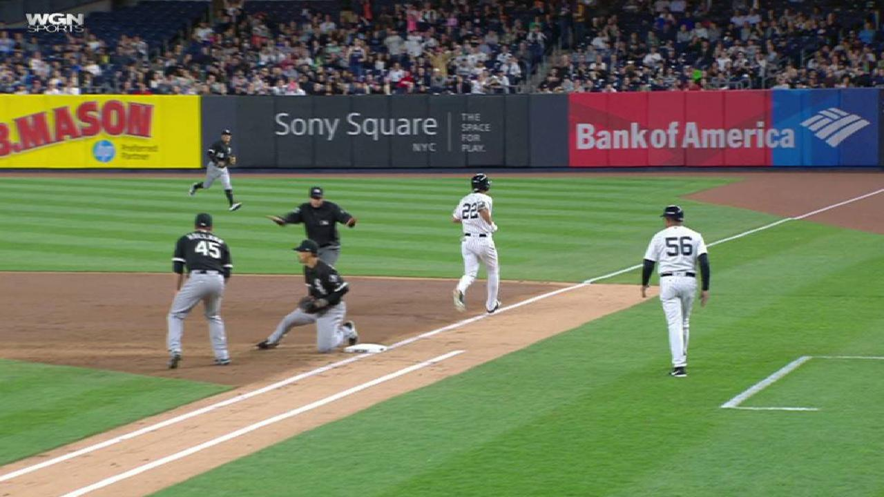 Third inning not kind to Abreu, Holland in NY