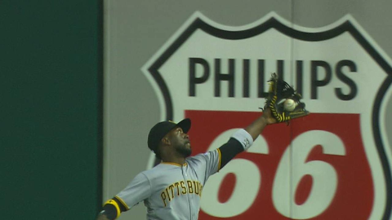 Cutch flashes leather, but Bucs' offense sputters