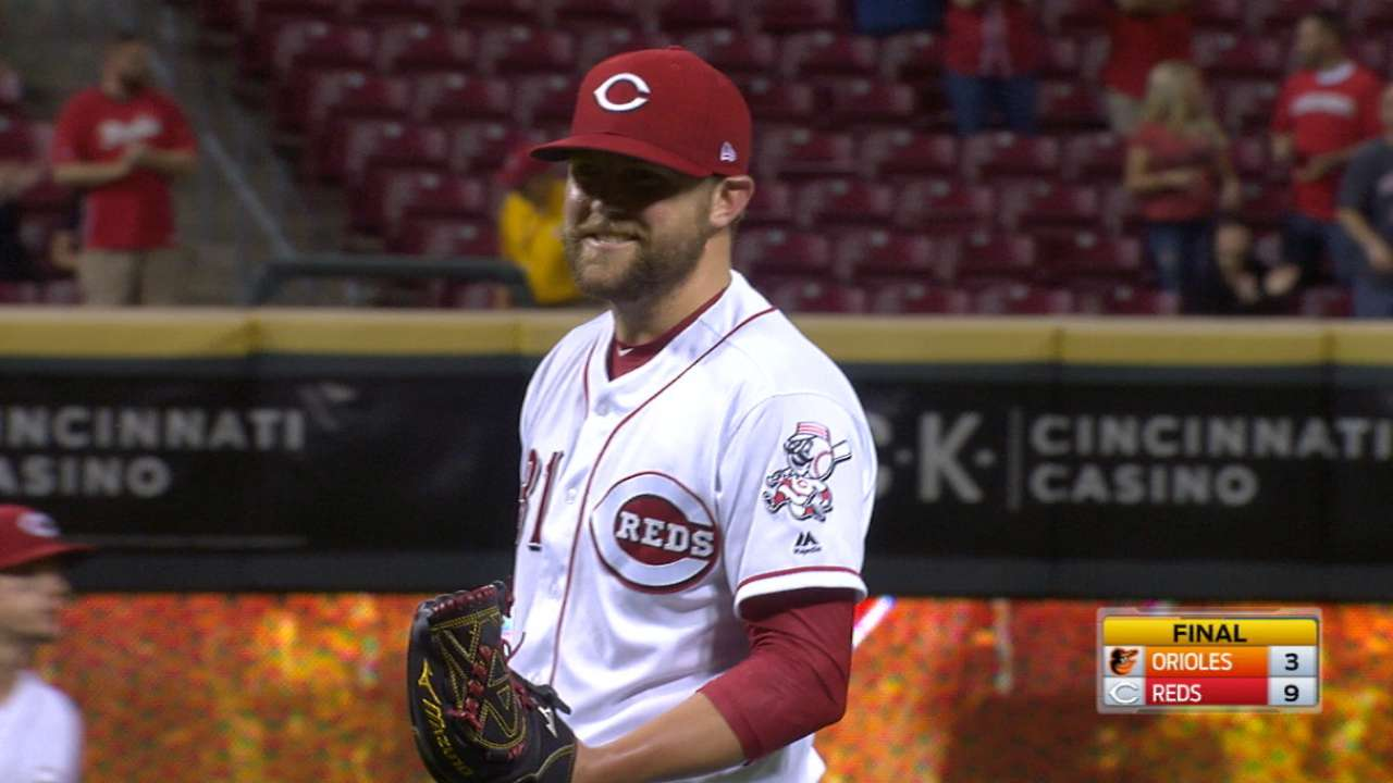Storen caps game with immaculate inning