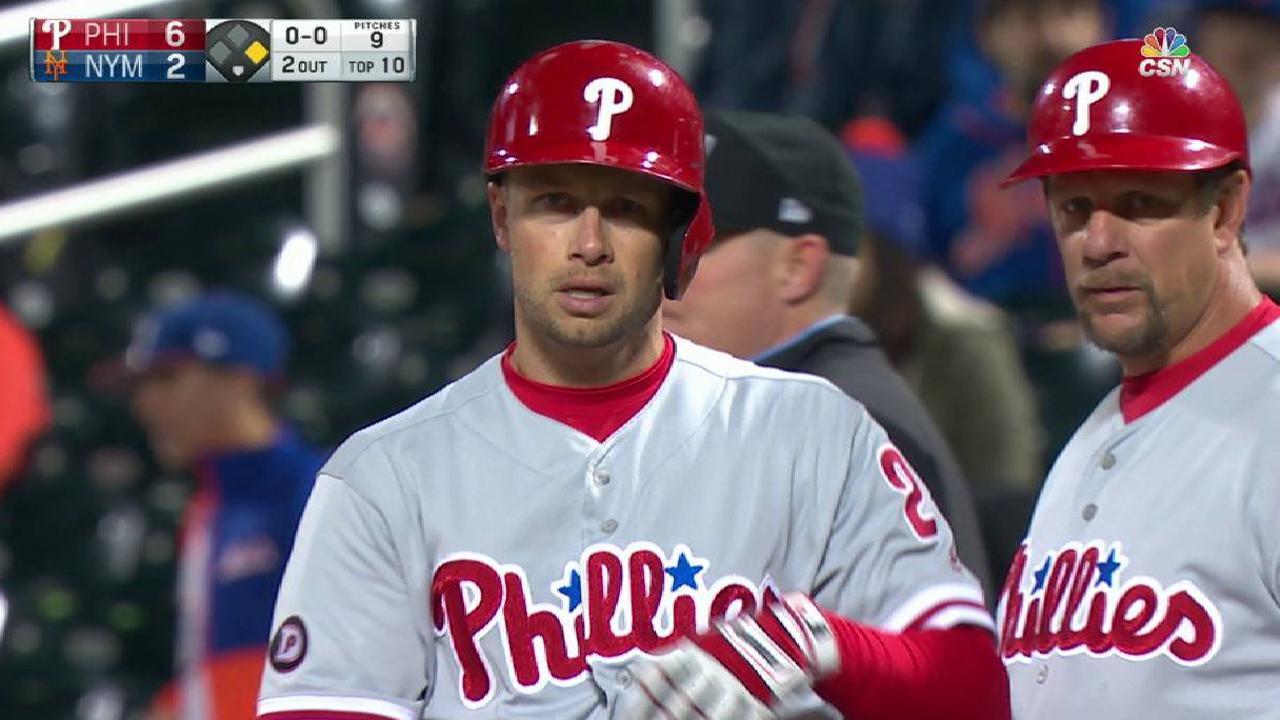 Filis anotan cuatro en la 10ma y se imponen a los Mets