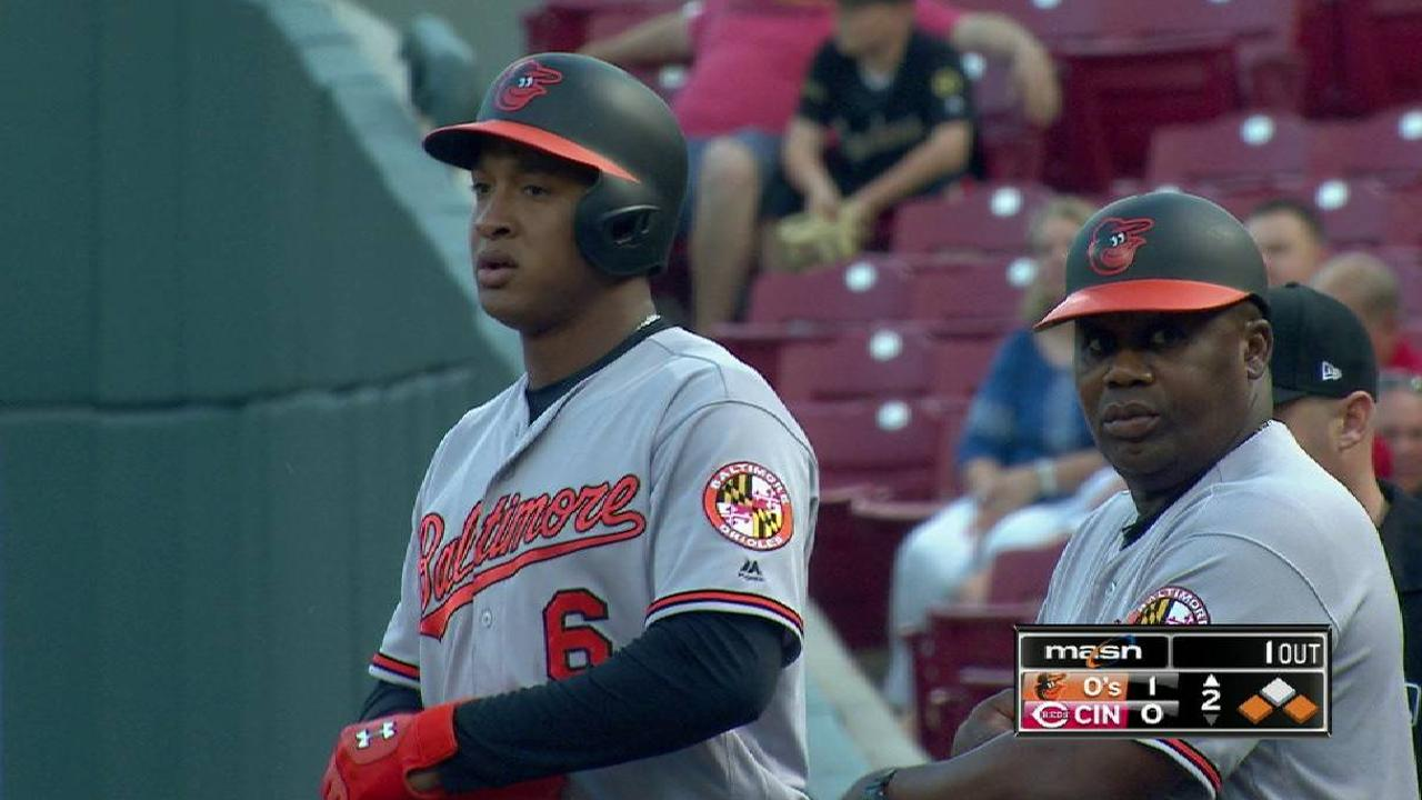 Schoop backs strong pitching in win