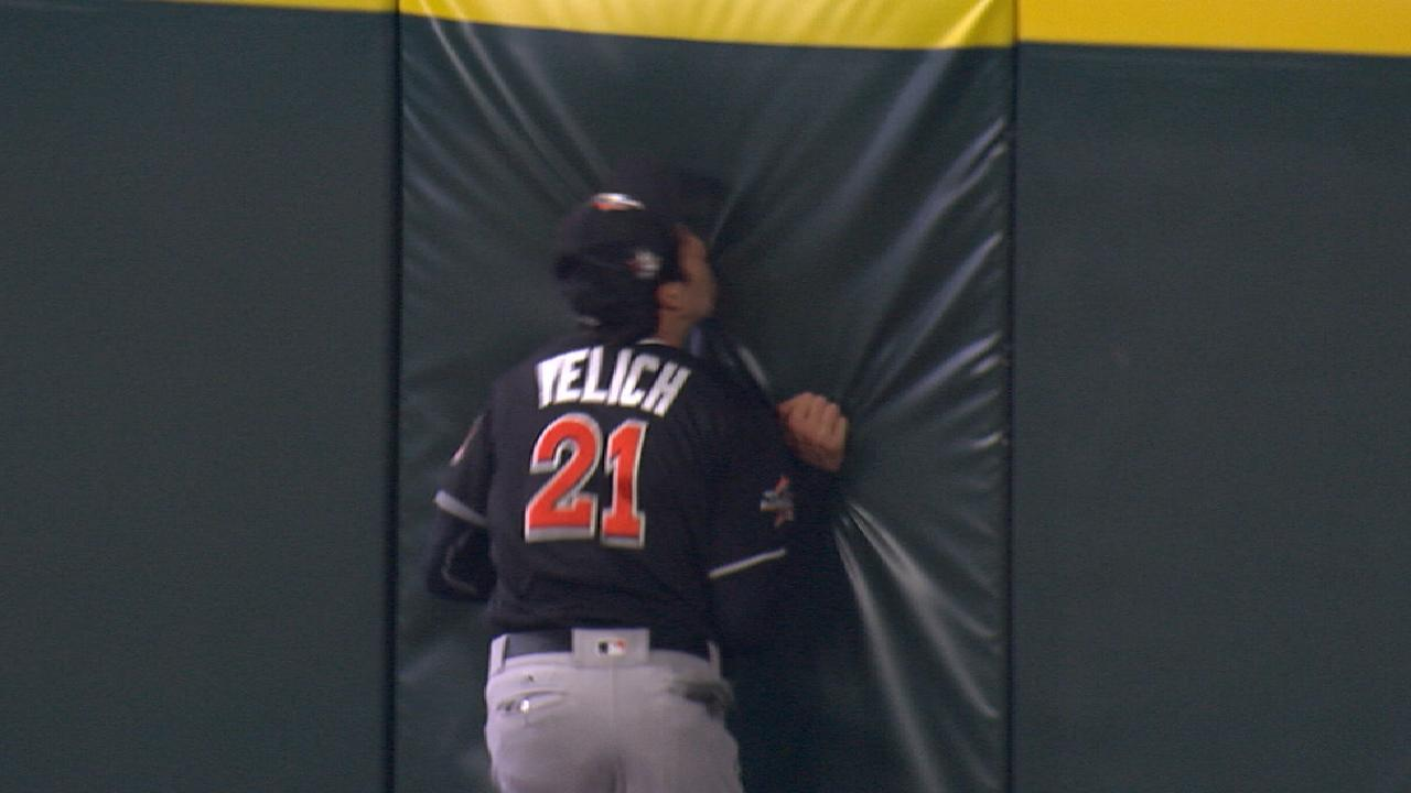Must C: Yelich's fearless catch
