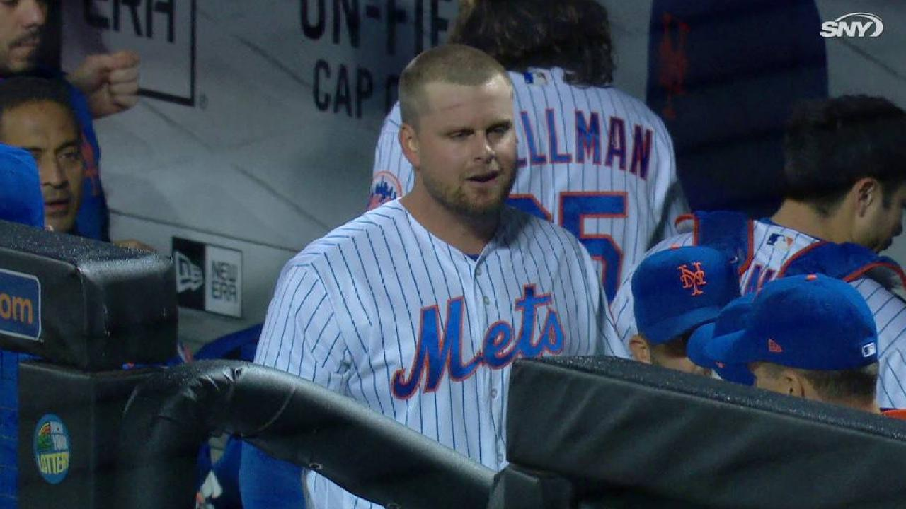 Duda leaves game with injury