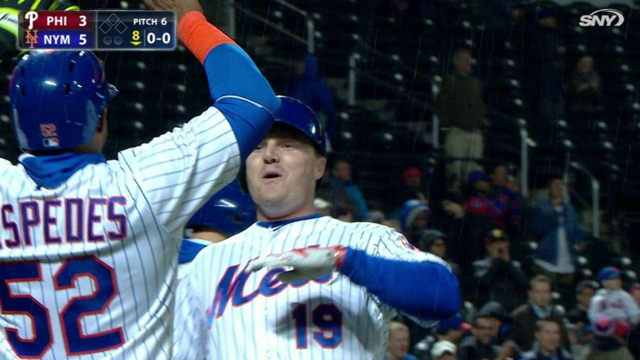 Bruce's go-ahead two-run homer