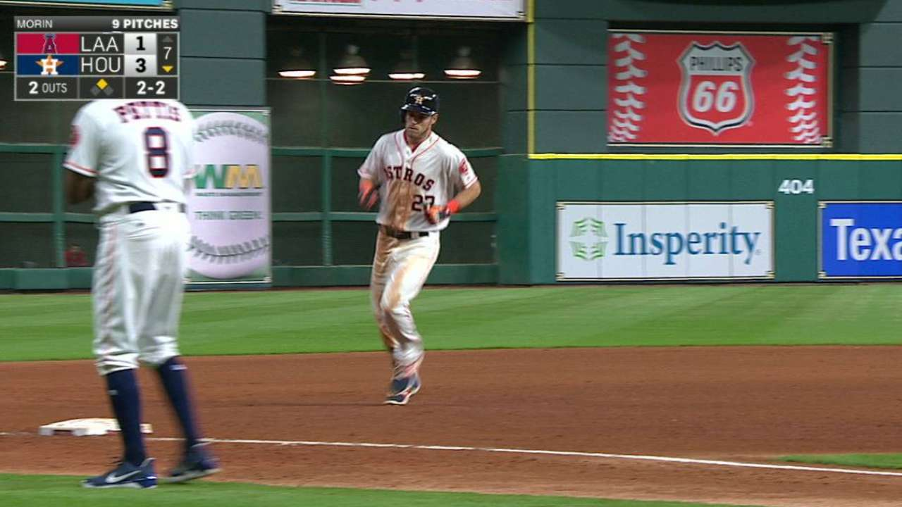 Reddick's two-run homer