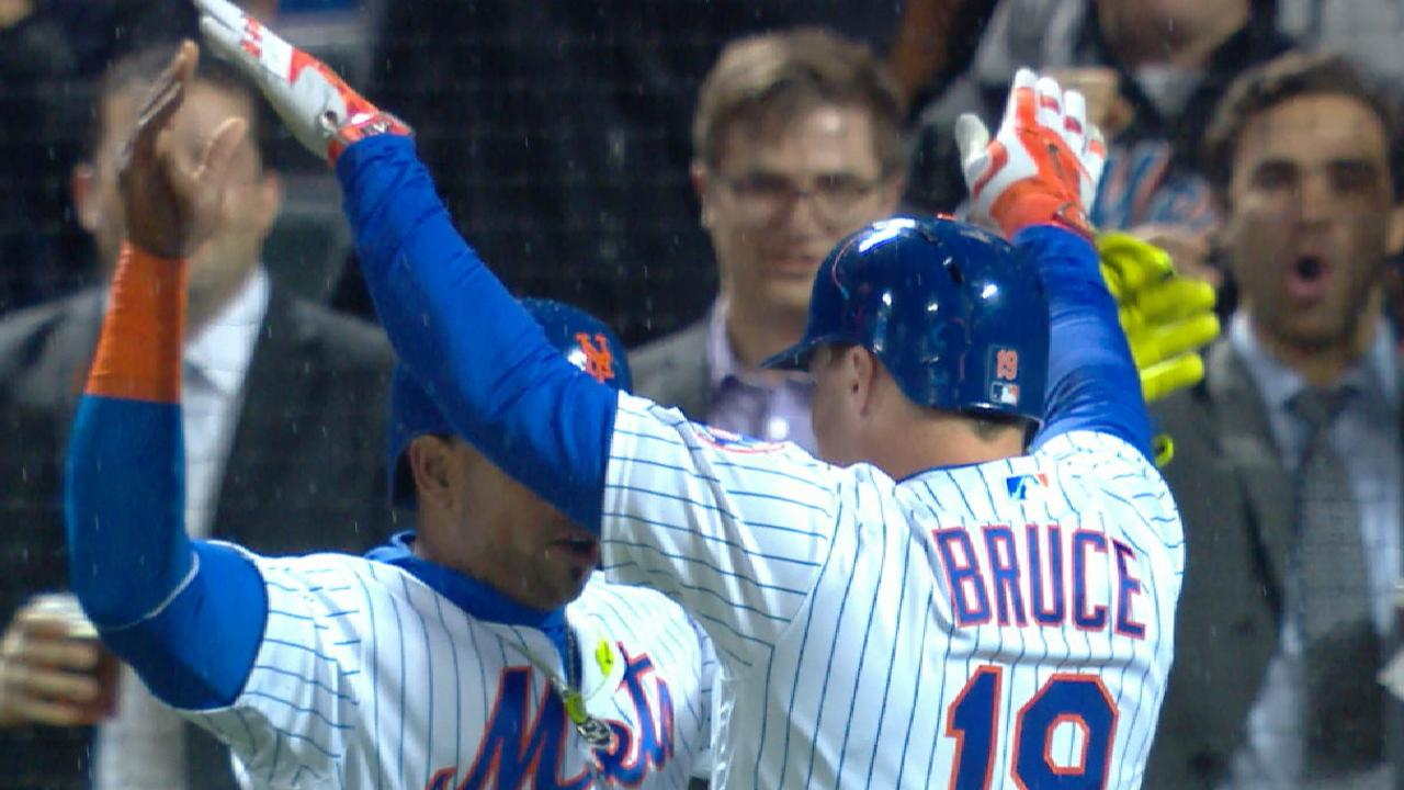 Jay Hey: Bruce home runs carry Mets