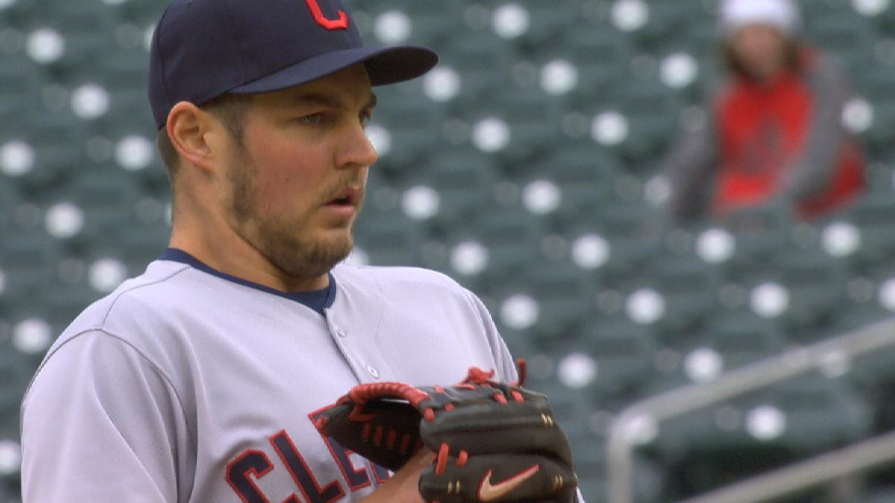 Tribe sweeps Twins behind Bauer, Santana