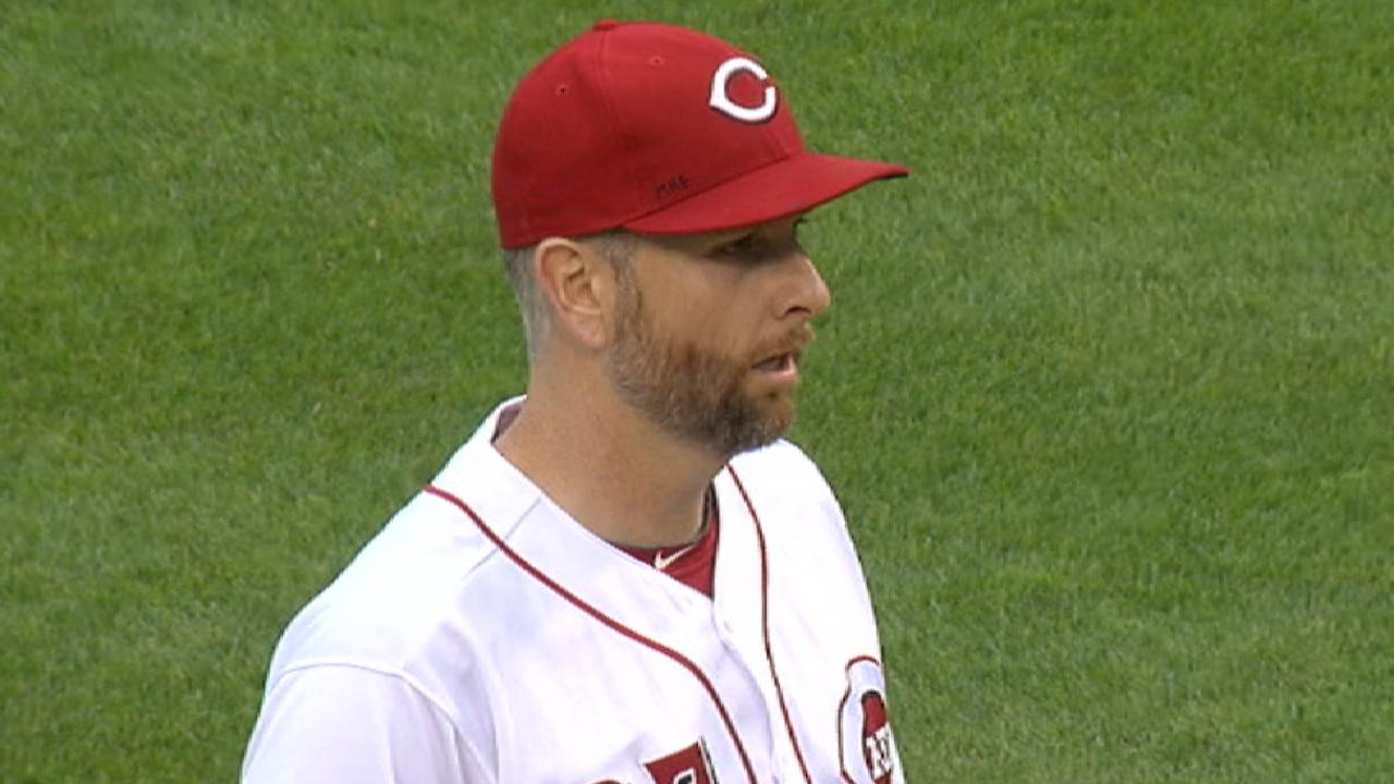 Reds fall despite Votto's HR, quality Feldman