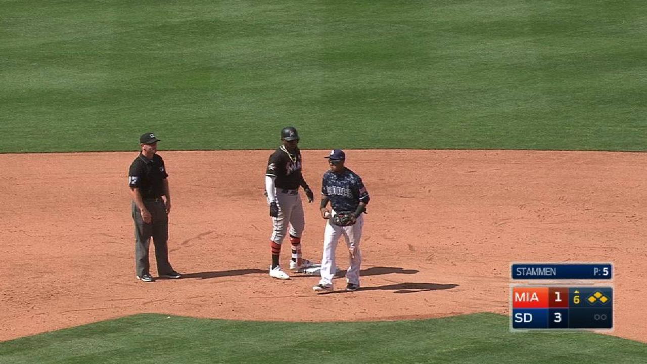 Bates de Marlins explotaron en el sexto inning para hundir a los Padres