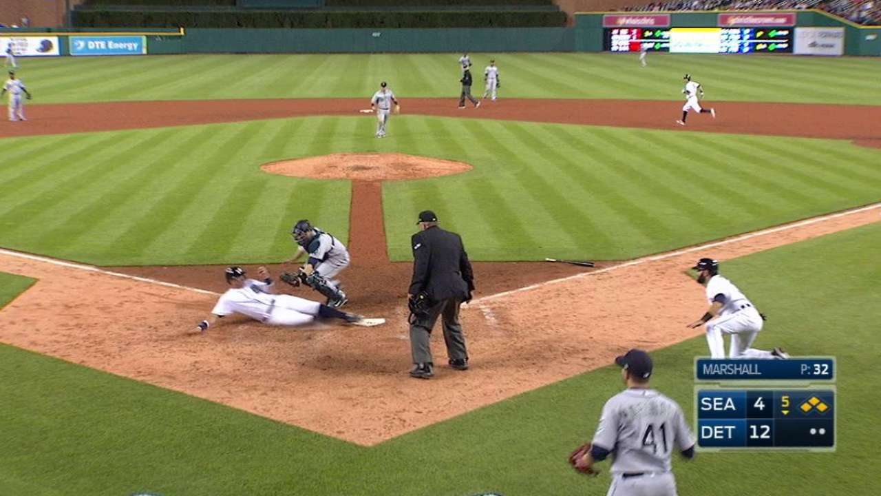Kinsler's two-run single