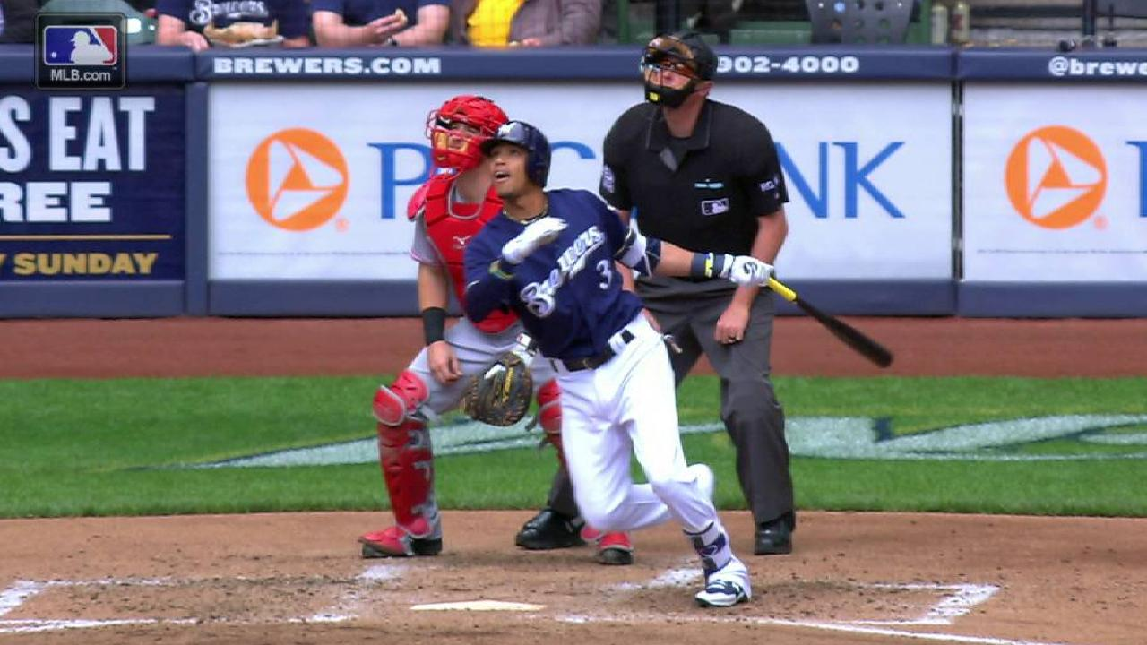 Brewers pound out 14 hits in sweep of Reds