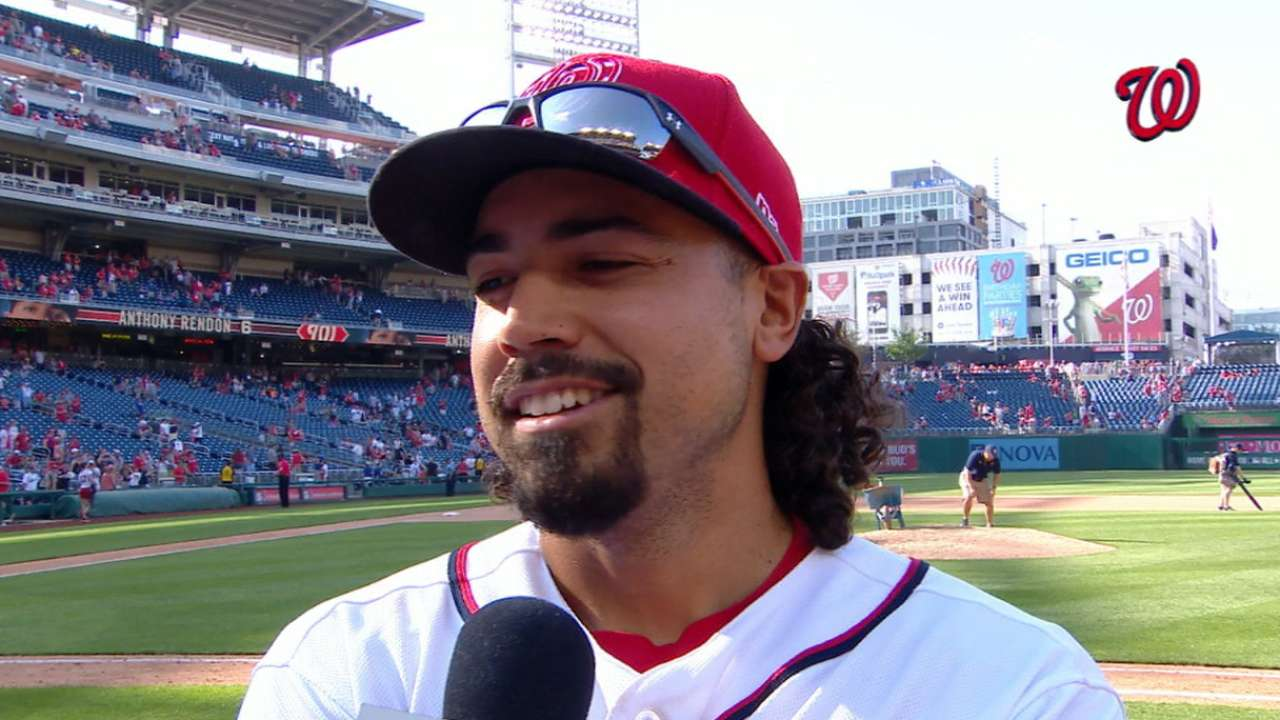 Rendon credits teammates