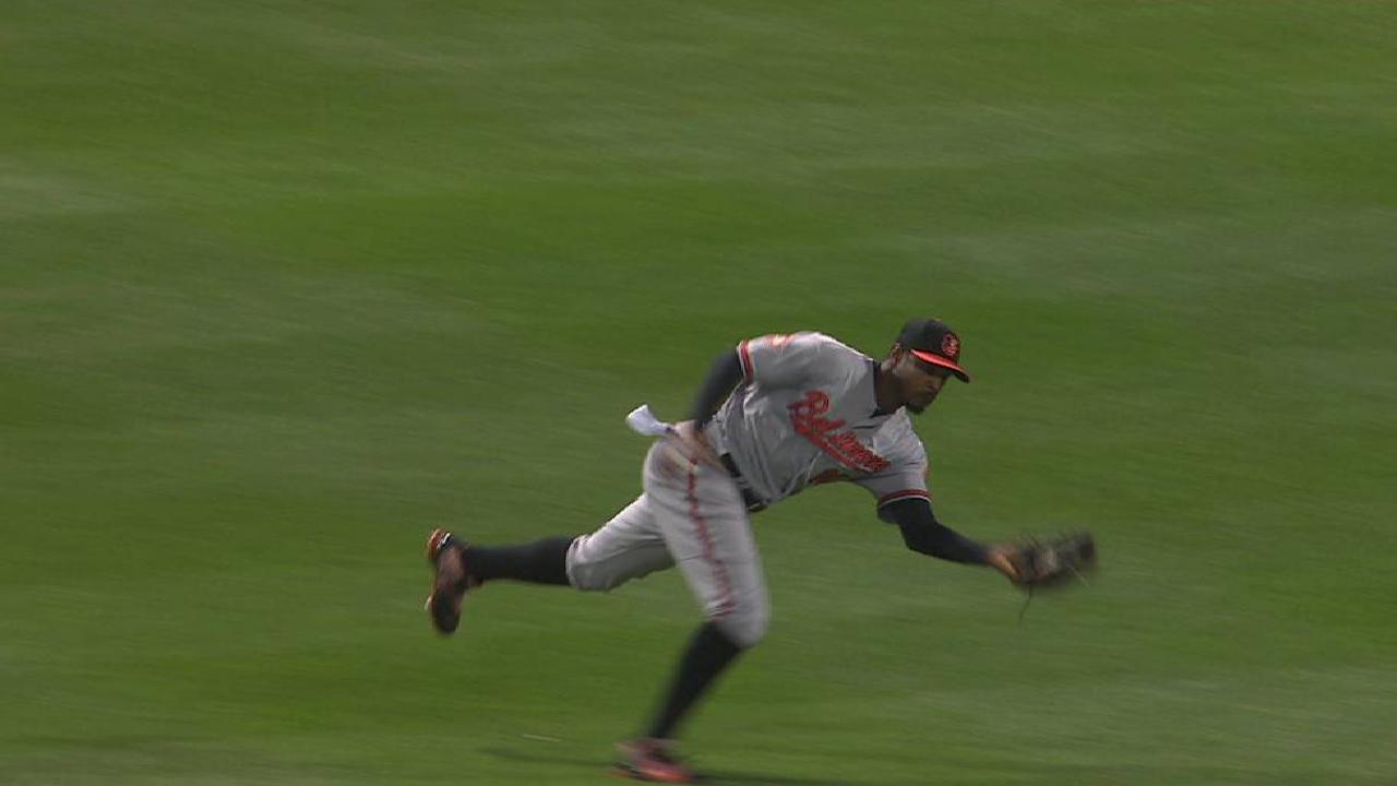 Jones' tumbling catch