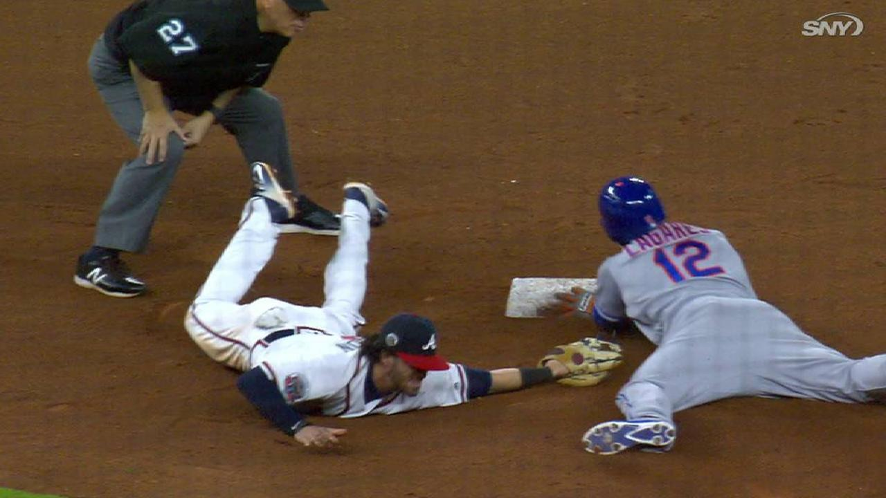 Lagares' double in the 9th