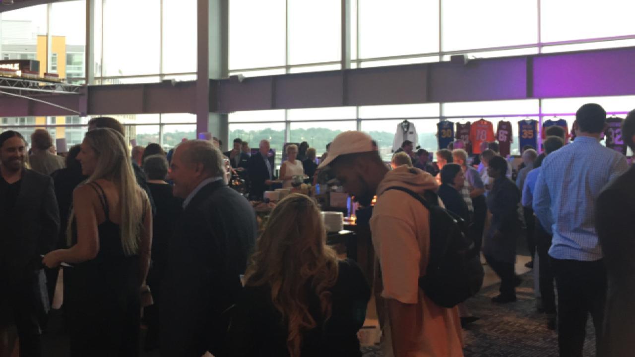Zimmerman hosts fundraiser