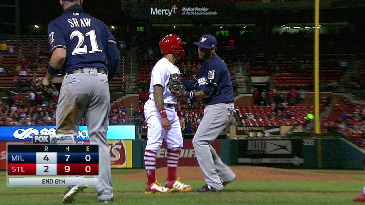 Arcia gets Wong on the tag