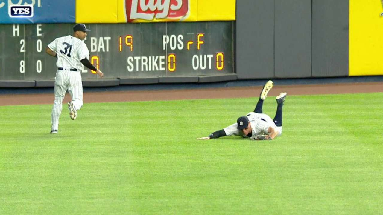 Judge's fantastic diving snag