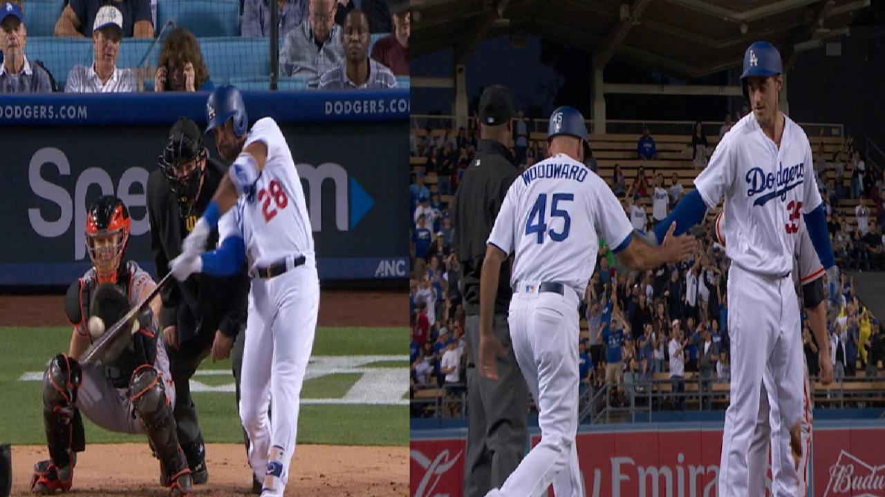 Dodgers roar back to romp past Giants