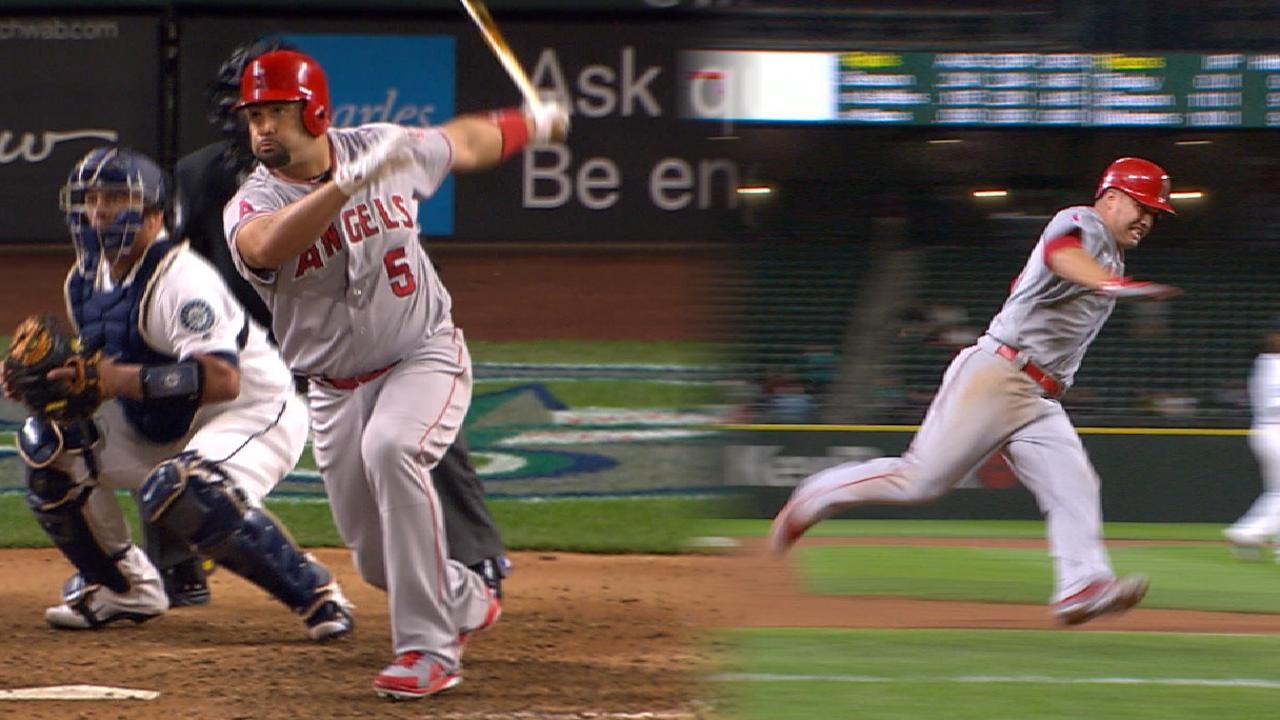 Pujols' go-ahead double