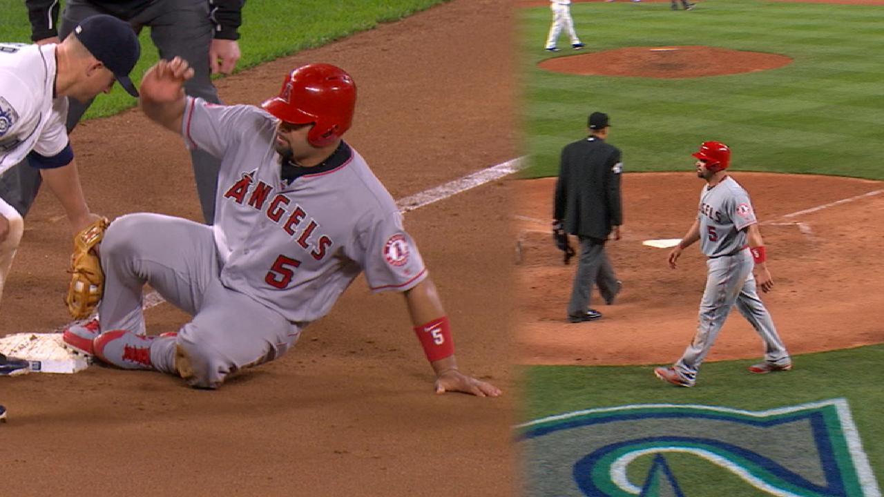 Pujols steals third, scores