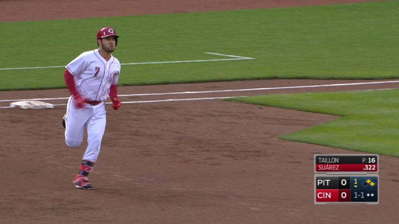 Suarez's three-run home run