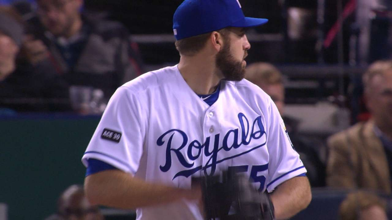 First 4-strikeout inning of '17 caps Karns' win