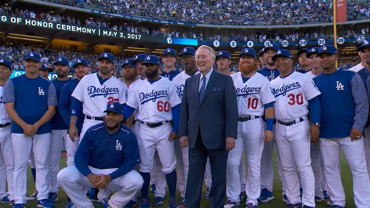 Dodgers honor Vin Scully