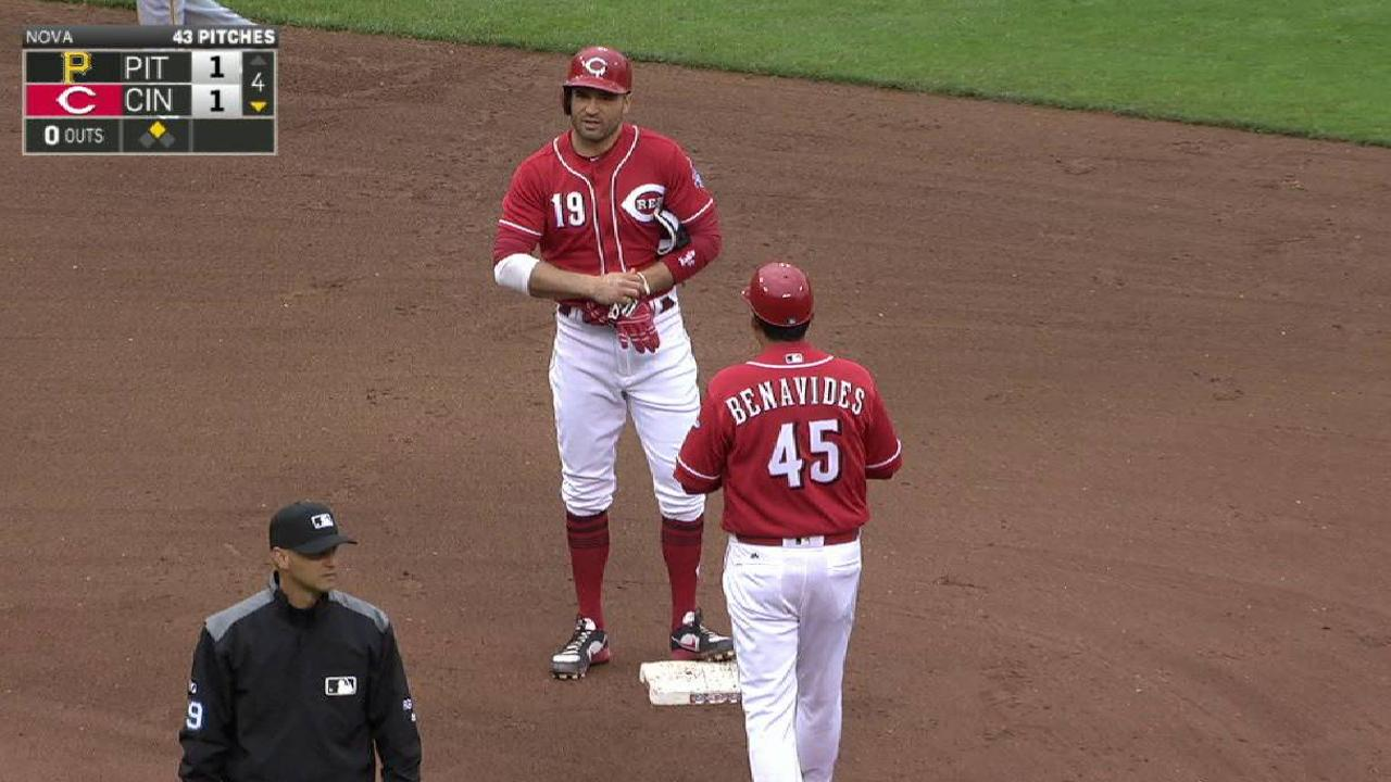 Votto's RBI double in the 4th