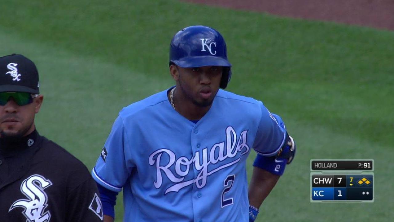 Royals capitalize on error