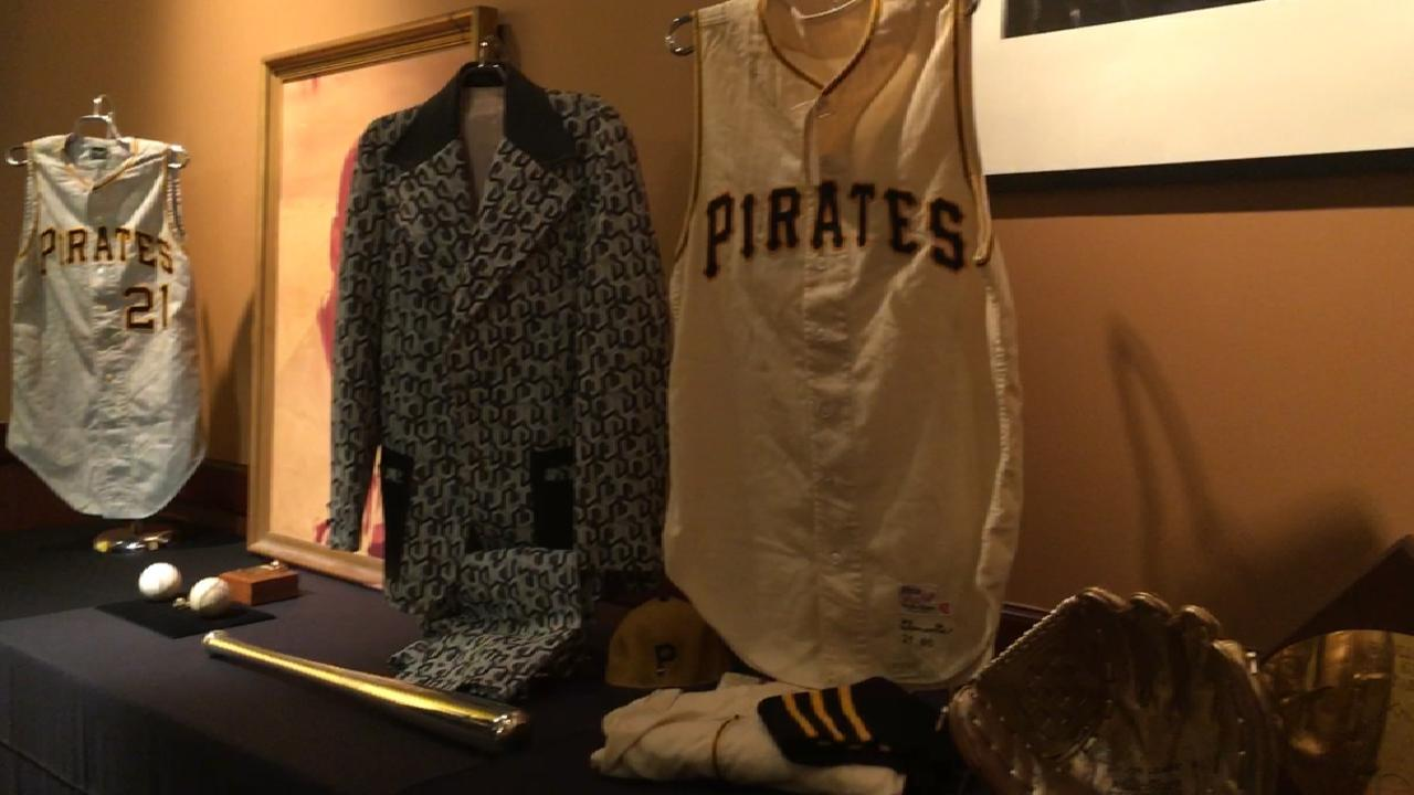 Clemente memorabilia to be auctioned at ASG
