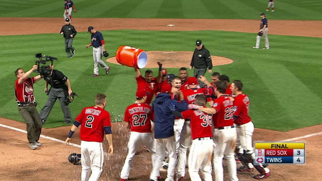 Mauer's first career walk-off HR