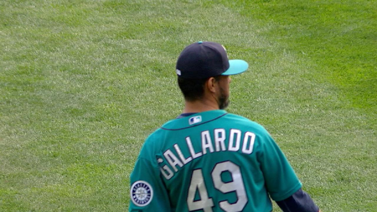 Gallardo gives Mariners important innings