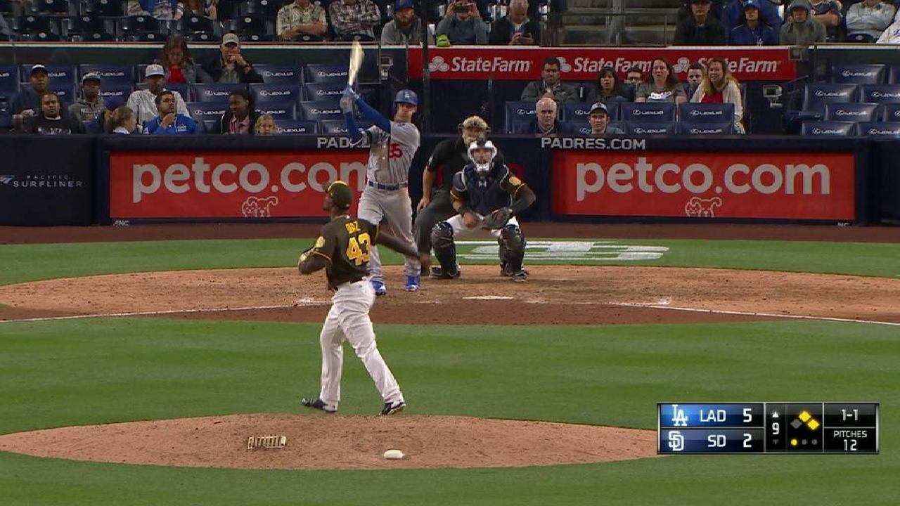 Bellinger's three-run homer