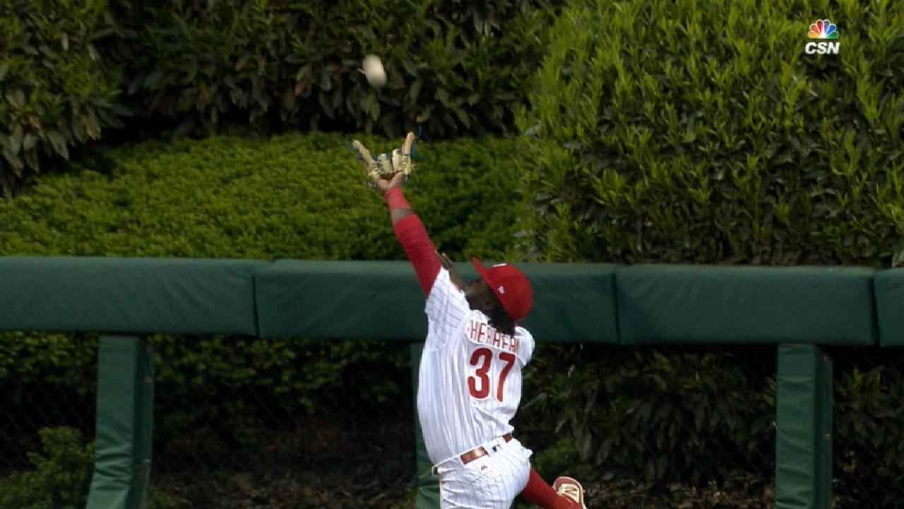 Herrera robs potential home run