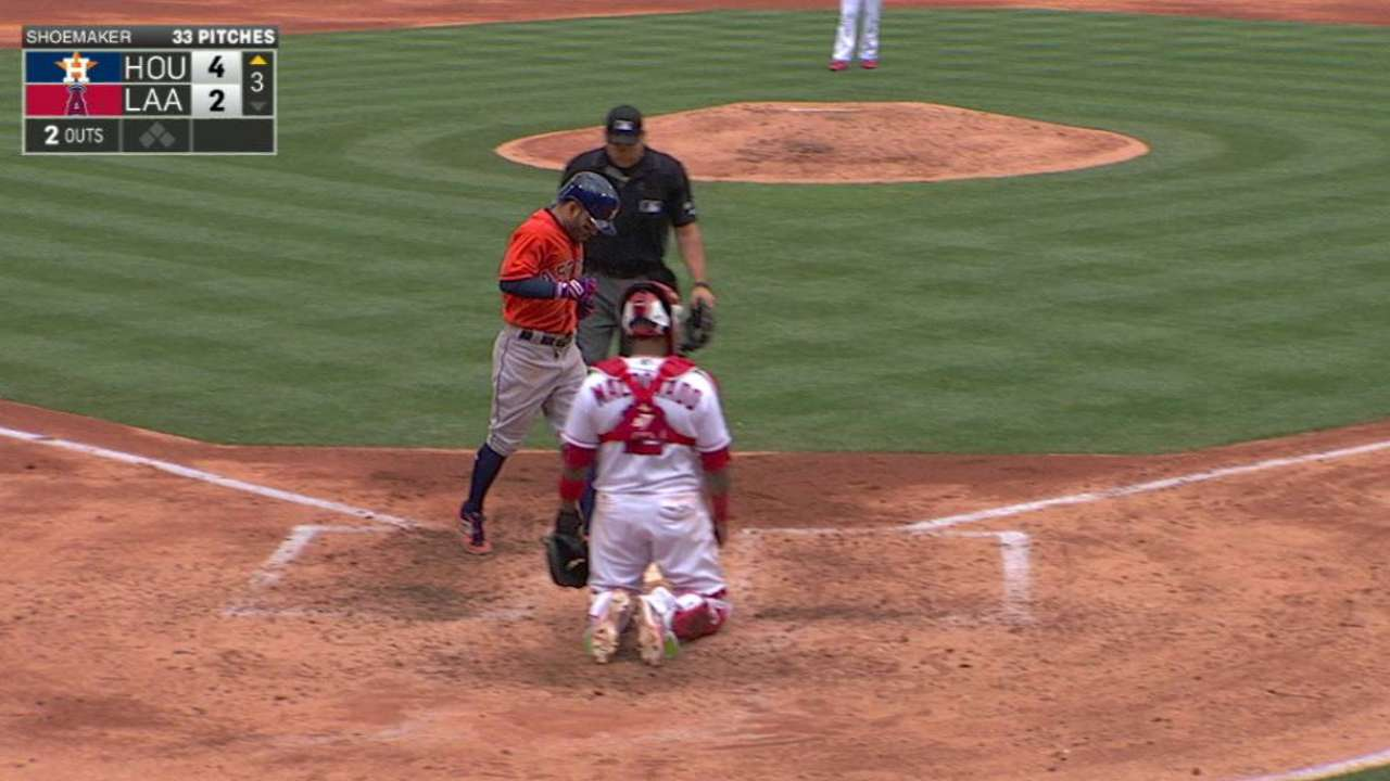 Altuve's three-run homer