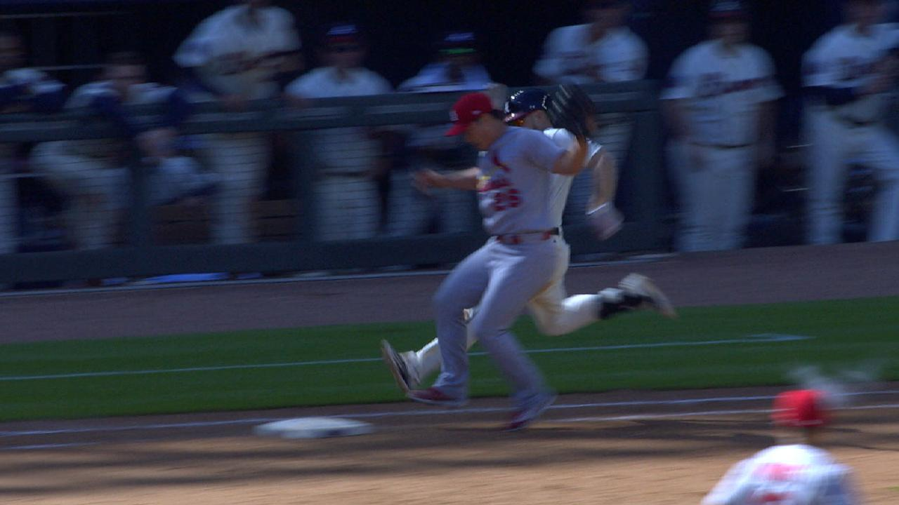 Oh beats Inciarte to first
