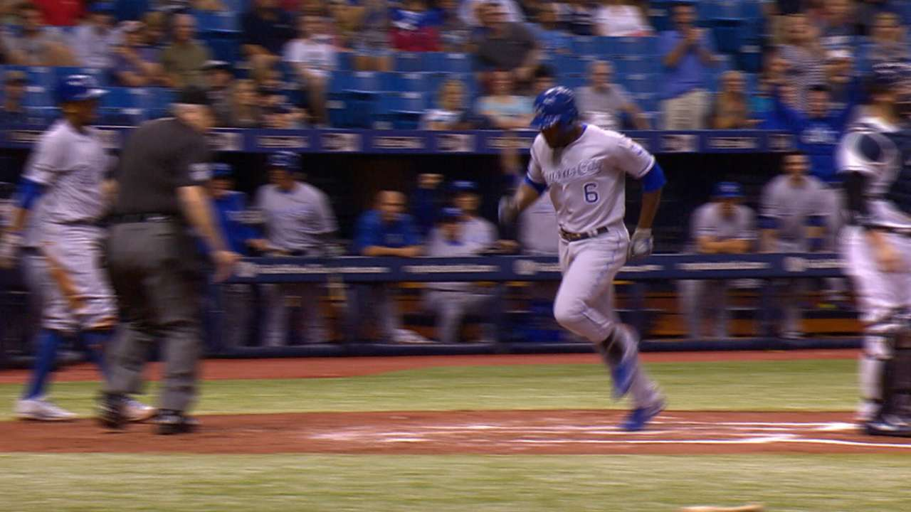Cain touches 'em all after error