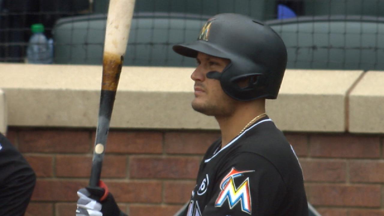 Rojas breaks thumb on swing