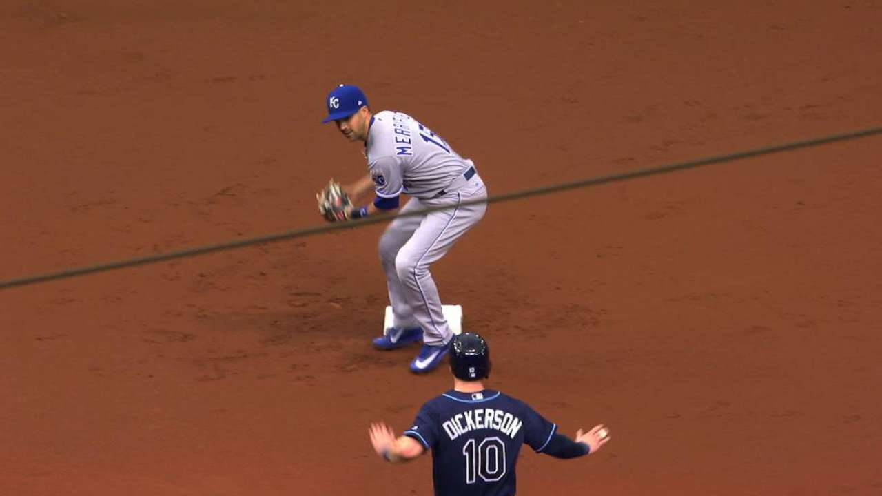 Vargas induces 1-4-3 double play