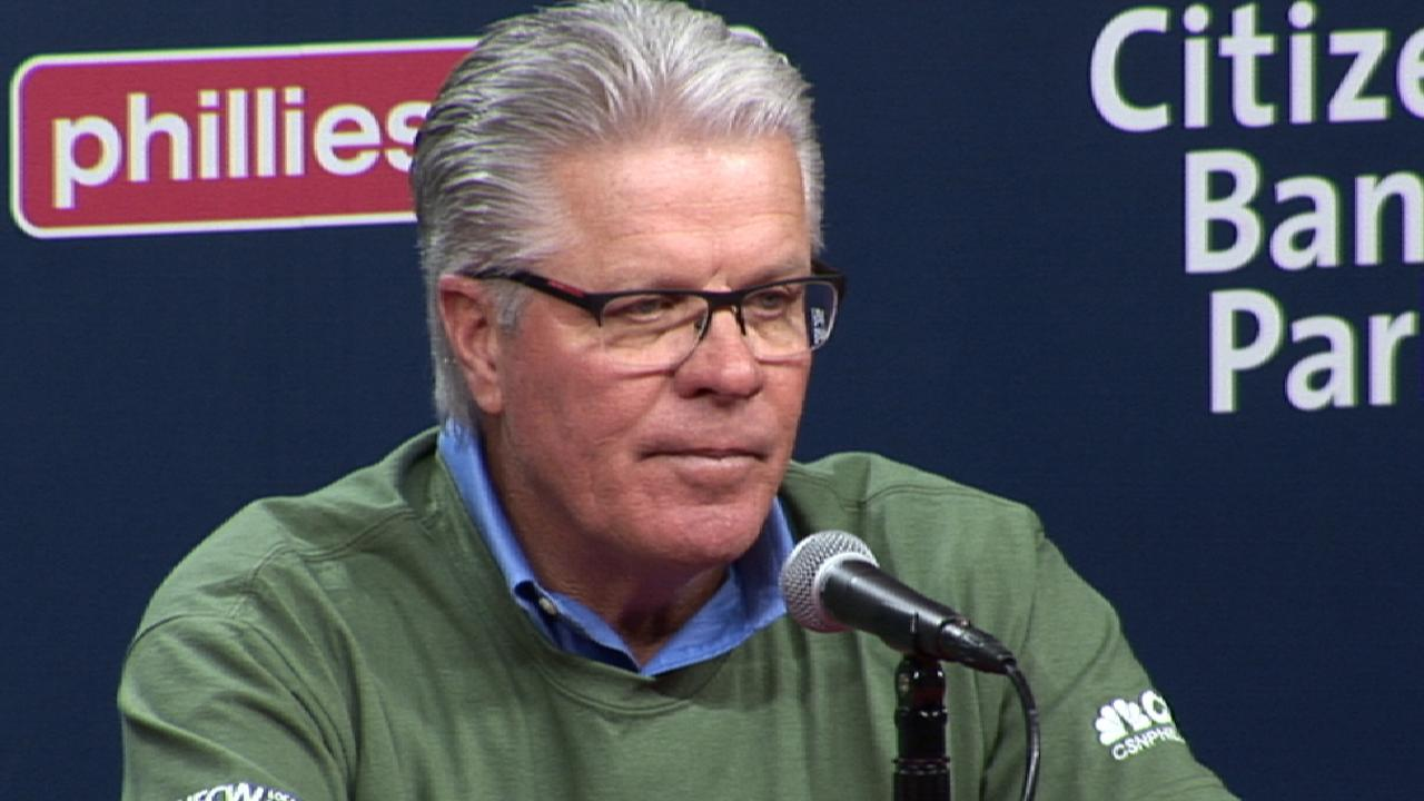 Phillies sign Mackanin to new 2-year contract